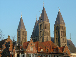 The towers of the cathedral of Tournai (photo: OliBac)